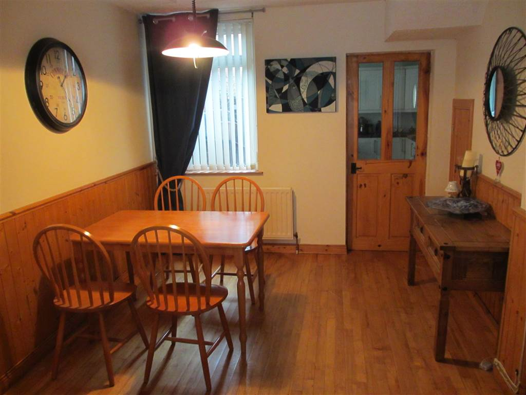 Apt 1 24 South Parade