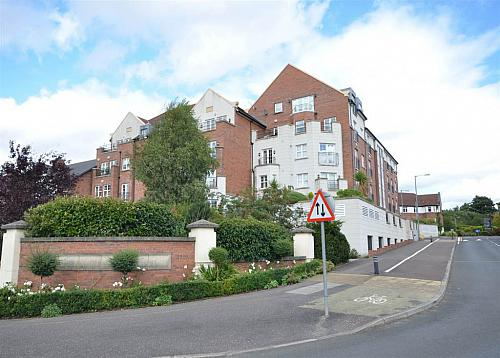 Apt 4 9 Lagan Way, Off Annadale Avenue