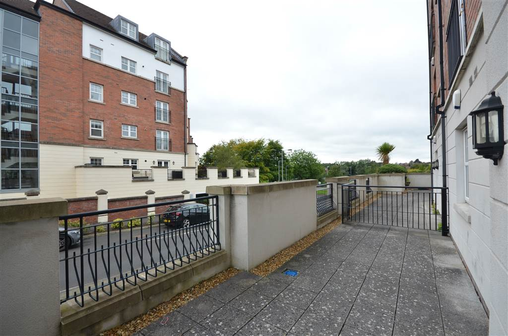 Apt 4 9 Lagan Way